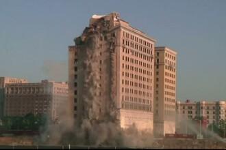 Hotel construit in anii '20, demolat prin implozie. Operatiunea a costat 900.000 de dolari. FOTO