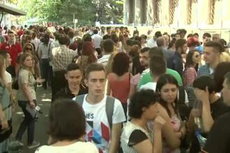 6.000 de tineri au stat si 5 ore la coada pentru a se inscrie la facultate. Multi dintre ei viseaza deja la primul salariu