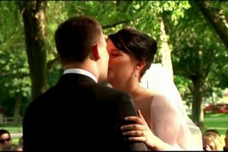 Doi tineri din SUA au decis sa se casatoreasca intr-un cimitir. Motivul pentru care au ales locul inedit