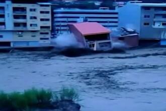 Inundatiile puternice au facut ravagii in nordul Iranului. 16 oameni au murit, cateva cladiri s-au prabusit din cauza apelor