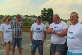Mesajul unui activist britanic, ajuns in Vaslui pentru a promova toleranta zero fata de violatori. Ce le-a spus satenilor