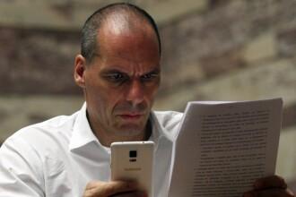 Varoufakis, fostul ministru de finante al Greciei, ar putea fi acuzat oficial de inalta tradare. Se cere anularea imunitatii