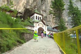 Unul dintre cele mai frumoase locuri din Romania. Cum arata pestera despre care turistii straini spun ca este fantastica