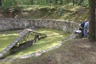 Un tunel folosit de evrei ca sa scape de nazisti a fost descoperit intr-o padure din Lituania. Secretul pe care il ascunde