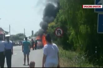 Un autoturism a ars complet pe o sosea din Eforie Nord. De la ce a pornit incendiul