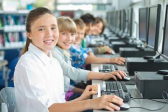 12.000 de elevi si studenti pot primi cate 200 de euro de la stat, pentru a-si cumpara calculatoare. Care sunt conditiile