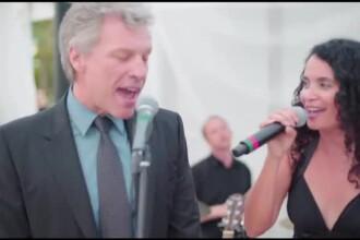 Jon Bon Jovi s-a transformat din invitat in solist la o nunta. A interpretat o piesa pe care a compus-o in 1986