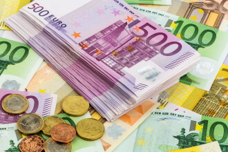Ce salarii au sefii de banci centrale din UE, comparativ cu Isarescu. Bancherul care castiga dublu fata de presedintele BCE