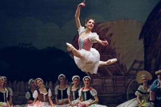 Directoarea Scolii de Balet a Operei din Viena ii invata pe tinerii romani cum sa faca spectacol. Cursurile au loc la Cluj