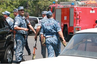 Tentativa de lovitura de stat in capitala Armeniei, un politist a fost ucis. Cine s-ar afla in spatele puciului