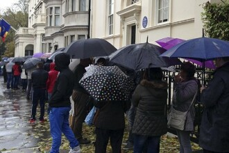 Londra nu se grabeste sa demareze procedurile pentru BREXIT. Ce drepturi vor avea romanii care lucreaza in Anglia