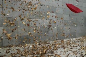 Vremea azi, 18 octombrie. Prognoza pentru București și țară. Vântul suflă tare, maxime de 18 grade