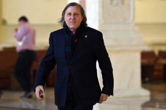 Ilie Nastase si-a anuntat retragerea din politica: