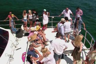 Distractie pe iaht, in Marea Neagra, cu dansatori si bufet suedez. Cat costa o petrecere de o zi in largul marii
