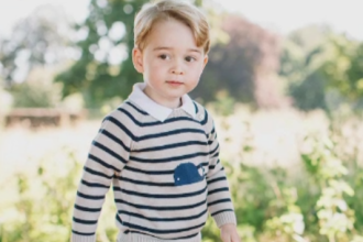 Printul George al Marii Britanii implineste 3 ani. Fotografiile pe care familia regala le-a dat publicitatii