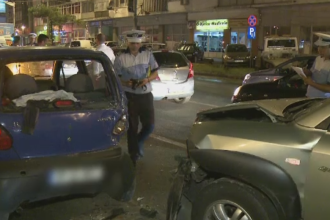 Accident in lant in Bucuresti. Dezastrul pe care l-a provocat o soferita care a vrut sa schimbe banda de mers