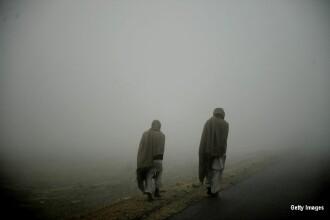 26 de morti in Pakistan, dintre care majoritatea copii. Autobuzul care trebuia sa ii duca la o nunta a fost luat de viitura