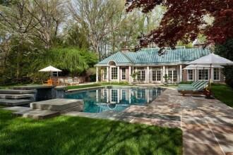 Casa in care a copilarit o fosta Prima Doamna a SUA, scoasa la vanzare pentru 49,5 milioane de dolari. FOTO