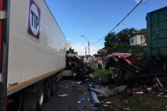 Trei soferi au fost raniti in urma unui accident dintre o duba si doua camioane. Doua dintre victime au ramas incarcerate