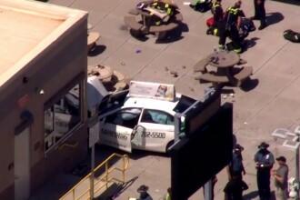 O masina a intrat intr-un grup de pietoni aflati pe trotuar, in Boston. 10 oameni au fost raniti; ce a declarat soferul
