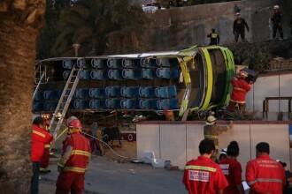 Accident grav al unui autocar cu turisti, langa Lima. Cel putin 8 oameni au murit si mai multi copii sunt raniti