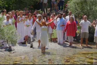 Zile de festival in Grecia. Sute de greci pornesc intr-un pelerinaj spre radacinile culturii lor, la poalele Muntelui Olimp