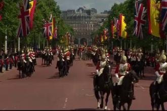 Regele Spaniei, intampinat, cu onoruri militare de catre Regina Elisabeta, in prima vizita a monarhului in Regatul Unit