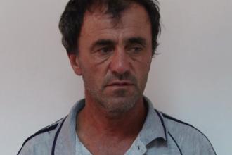 Barbat din Dambovita, arestat dupa ce si-a violat timp de un an fiica in varsta de 14 ani. VIDEO cu declaratia suspectului