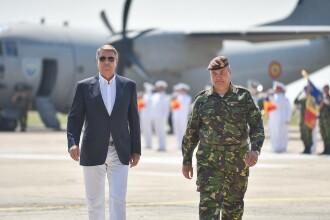 Iohannis a cucerit Facebook-ul cu aparitia de la Baza Militara Kogalniceanu. Reactia Primei Doamne la pozele presedintelui