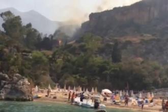 Vacanta compromisa pentru multi turisti aflati in Sicilia, din cauza incendiilor de neoprit. 10 oameni au ajuns la spital