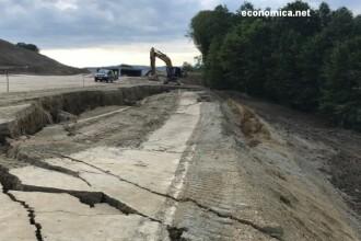 Terasamentul s-a surpat pe o lungime de 70 de metri pe autostrada Lugoj - Deva. Control inopinat din partea CNAIR