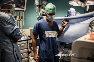 Cum ar putea opera chirurgii in viitor, pentru a preveni raspandirea bacteriilor. De ce nu o sa mai aiba nevoie de haine