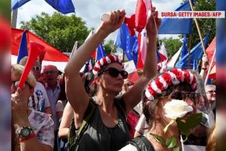 Proteste ample in Polonia fata de modificari ale legislatiei care ar oferi parlamentului control asupra justitiei