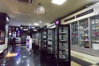 Cum arata mall-urile de lux din Coreea de Nord. Toate apartin familiei Kim, iar profiturile sunt folosite pentru rachete