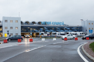 O aeronavă a aterizat de urgență pe aeroportul Henri Coandă