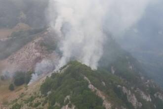 Un nou incendiu în Parcul Domogled. Pompierii nu pot ajunge în zonă