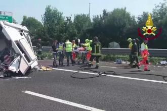 Noua oameni au fost raniti intr-un grav accident din Italia. Traficul pe autostrada a fost inchis aproape 4 ore