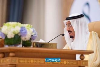 Regele Arabiei Saudite a ordonat arestarea unui print saudit, dupa ce acesta a fost filmat in timp ce agresa fizic 2 barbati