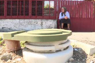 Vile de zeci de mii de euro, dar cu toaletele inca in curte. Zonele din Romania care asteapta conectarea la canalizare