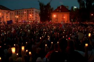 Mii de oameni au manifestat in Polonia fata de noua reforma a Justitiei. Ce a declarat presedintele Consiliului European