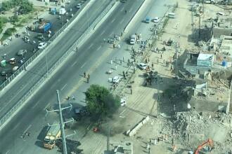 Atentat sinucigas in orasul Lahore din Pakistan. Cel putin 25 oameni, majoritatea politisti, au murit. VIDEO