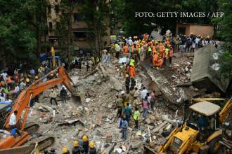 O cladire cu 4 etaje s-a prabusit peste locatari in Mumbai. Pompierii cauta in continuare peste 20 de oameni