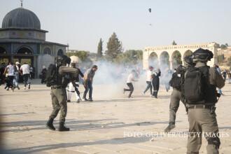 Peste 100 de raniti in Ierusalim, in violentele de pe Esplanada Moscheilor.