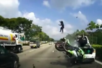 A fost aruncat 20 de metri in aer, dupa ce a lovit o masina stationata pe banda de urgenta. Ce s-a intamplat cu tanarul