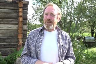 Irlandezul Peter Hurley, stabilit in Romania acum 20 de ani, promoveaza mestesugurile romanesti in Tara Lapusului