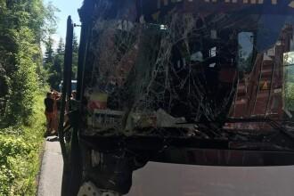 Autocarul loturilor de beach-handball juniori ale României, implicat într-un accident rutier în Muntenegru