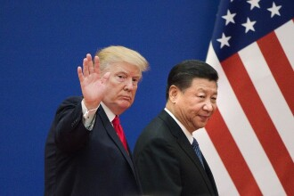 Trump vrea să taxeze importurile din China mai dur decât anunțase inițial