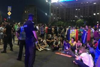 Protest în Piaţa Victoriei. Câţiva manifestanţi au blocat traficul pe Kiseleff. VIDEO