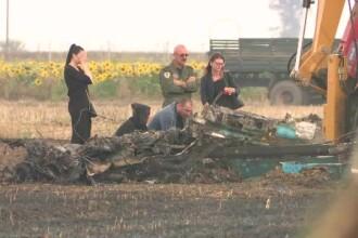Momentul în care avionul MIG a intrat în impact cu solul. Soția pilotului s-a recules la locul tragediei