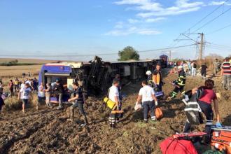 Accident feroviar în Turcia, soldat cu 10 morţi şi 73 de răniţi